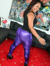 Round And Brown™ Presents La Reina in Purple..