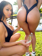 RoundAndBrown ™ presents Bethany Benz in..
