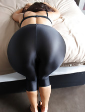 Beauties with taut booty in darksome leggings