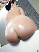 Sophie Dee came to shake her bulky ass for our..