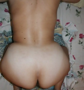 Real amateur images of tight and massive rumps of girlfriend and houswives