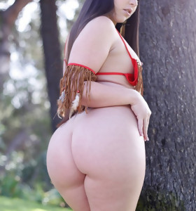 Featuring curvy figured ladies and great round butts